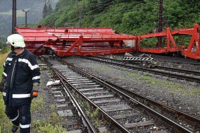 Die Südbahnstrecke wird nach einer Zugentgleisung für längere Zeit gesperrt