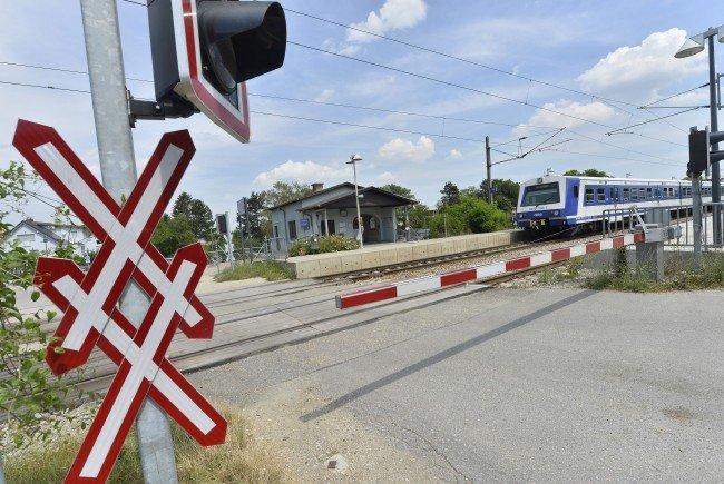Der Bahnübergang im Bahnhof Leobendorf, wo es geschah