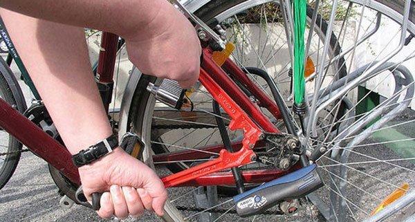 Zwei mutmaßliche Fahrraddiebe wurden in Wieden verhaftet