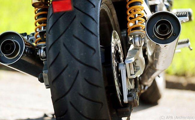 Ein mutmaßlicher Motorraddieb wurde nach einem Unfall verhaftet