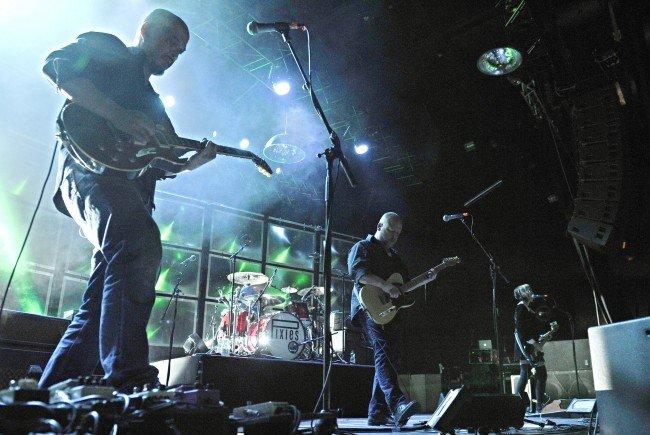 Die Pixies begeben sich erneut auf Tournee.