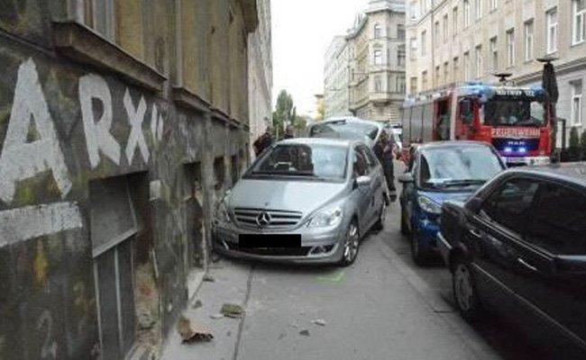 Der Pkw-Lenker verlor die Kontrolle über sein Fahrzeug.