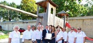 Charity-Event für Sanierung des Kinderspielplatzes Schloss Neugebäude: 3.155,55 Euro gesammelt