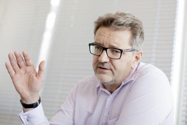 Der Wiener Flüchtlingskoordinator Peter Hacker im Interview.