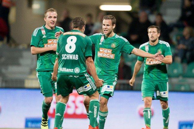 Treffer von Louis Schaub und Stefan Schwab sichern Rapid Wien den 4:0-Auswärtssieg im Play-off.