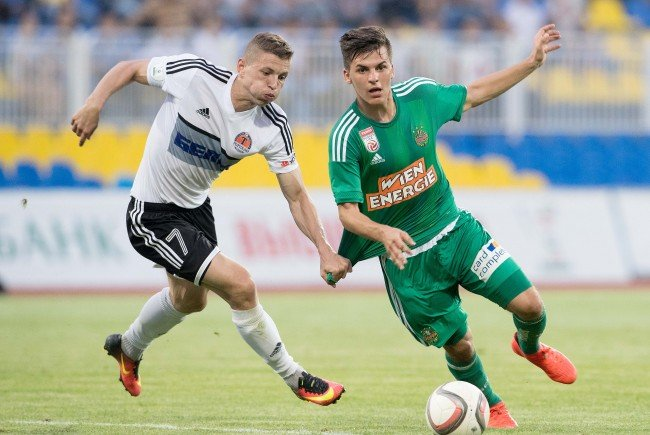 Thomas Murg (r.) steht mit Rapid im Playoff der Europa League.