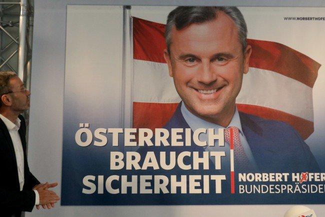 Die Wahlkampfplakate des FPÖ-Kandidaten Norbert Hofer.