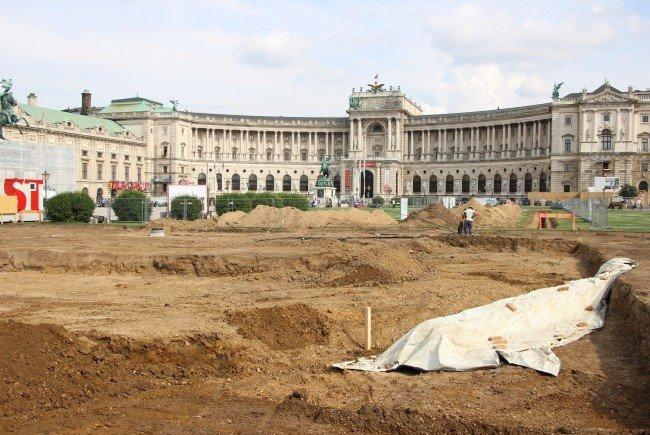 Bei Grabungen am Heldenplatz wurden Wurfgranaten gefunden und sichergestellt