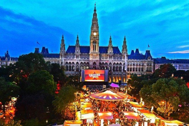 Halbzeit beim Filmfestival am Wiener Rathausplatz.