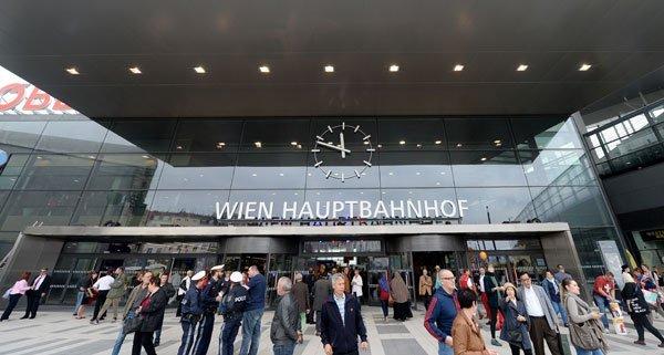 Am Hauptbahnhof drohte ein mutmaßlicher Ladendieb Beamten mit dem Umbringen