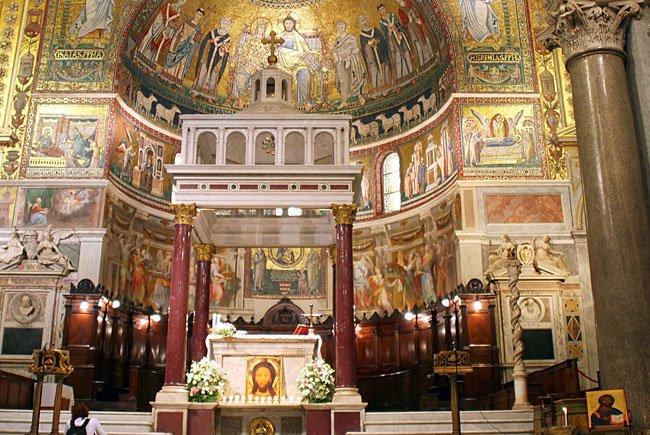 """Das """"satanische Pokemon"""" ist in der Wiener Kirche unerwünscht"""
