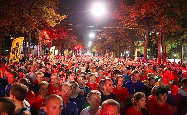 Beim Vienna Night Run 2016 wird auch heuer wieder zugunsten der Hilfsorganisation Licht für die Welt gelaufen.