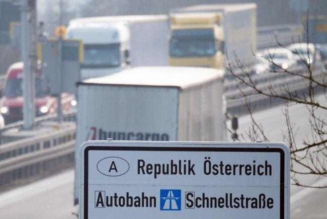 Aufgrund des Reiseverkehrs kam es zu langen Wartezeiten an den Grenzen