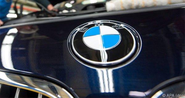 Beträchtlicher Sachschaden entstand bei dem Unfall mit dem BMW