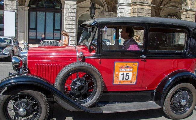 Die Oldtimer geben sich bei den Vienna Classic Days die Ehre.