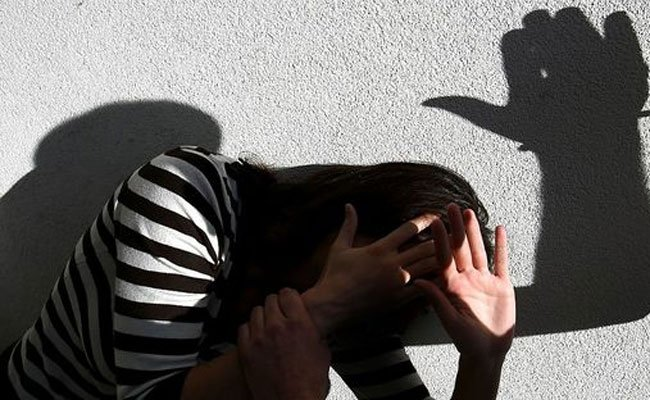 Die jungen Frauen hatten auf ihre Freundin eingeprügelt.