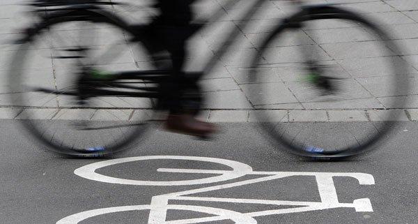 Der Radfahrer flüchtete, nachdem er am Wiener Burgring einen Unfall verursachte.