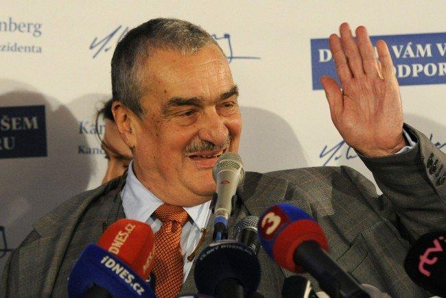 Tschechischer Ex-Außenminister Schwarzenberg rät zur Wahl Van der Bellens
