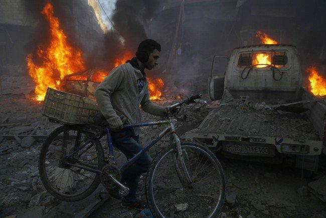 Platz 1 bei Fotoserien, Harte Fakten: Folgen der Luftangriffe in Syrien