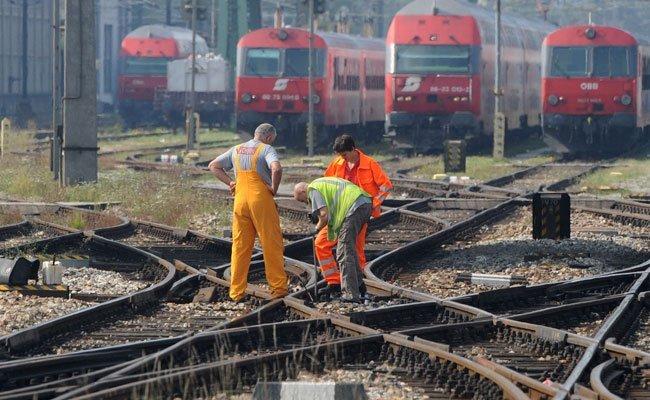 Die Bahnstrecke zwischen Wien und Bratislava wird modernisiert.