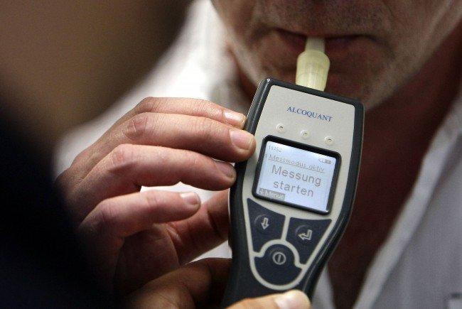 Ein Alkomattest beim Unfalllenker ergab einen Messwert von 2,92 Promille.