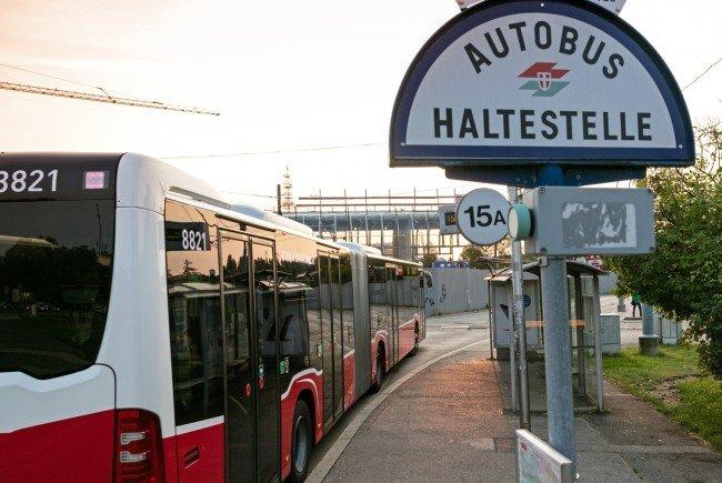 Euro-6-Busse im Linienbetrieb bewährt: 44 Prozent weniger CO2-Ausstoß.