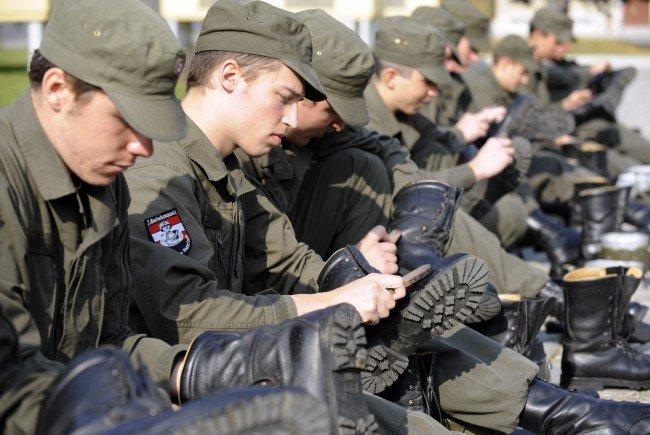 Wird das Bundesheer in Zukunft von Zivilisten geführt?