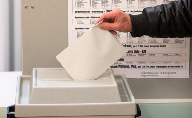 Das dürfen die Wähler bei der BP-Stichwahlwiederholung ganz offiziell selbst erledigen.
