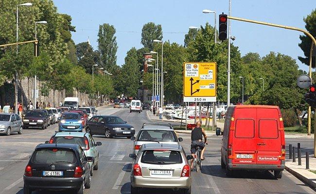 Der ÖAMTC berät bei Verkehrsstrafen aus dem Ausland.