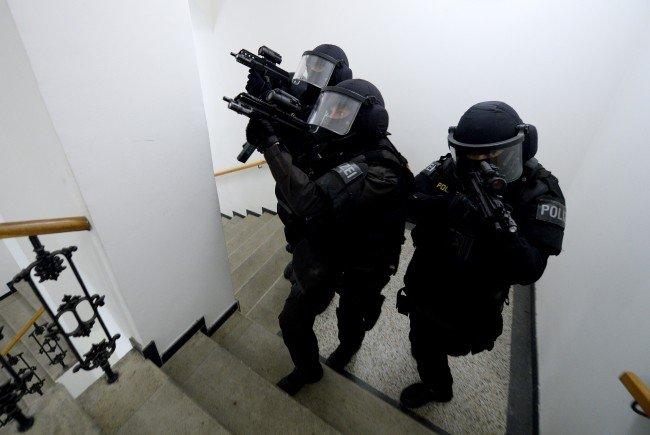 Die Cobra kam bei der Festnahme von Heroin-Händlern in Penzing zum Einsatz