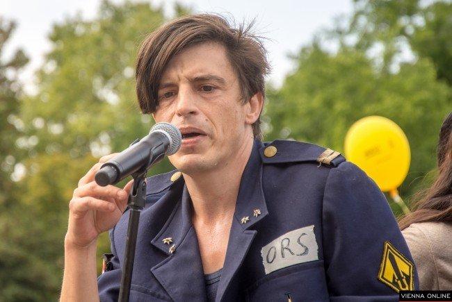 Amnesty präsentiert - Schutzbefohlene performen Jelineks Schutzbefohlene - Karlsplatz - 02.09.2018