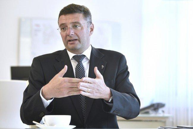 Der Infrastrukturminister ruft zur sachlichen Diskussion auf