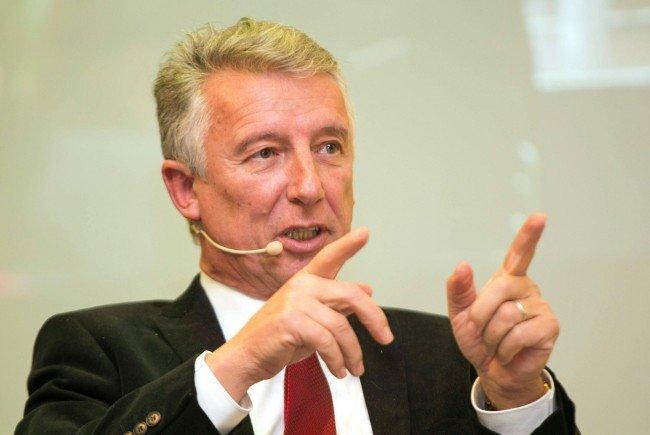 Der Gemeindebundpräsident warnt vor Mehrkosten bei fehlerhaften Wahlkarten