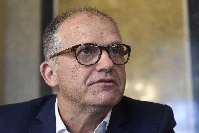 Ex-Innenminister Ernst Strasser ist seine Fußfessel los