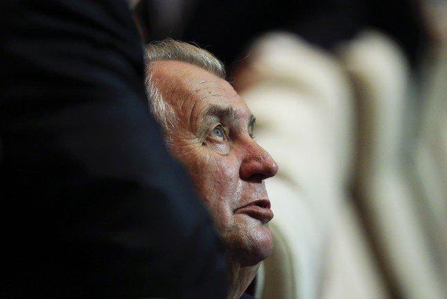 Der tschechische Präsident Milos Zeman trifft BP-Kandidat Hofer in Prag