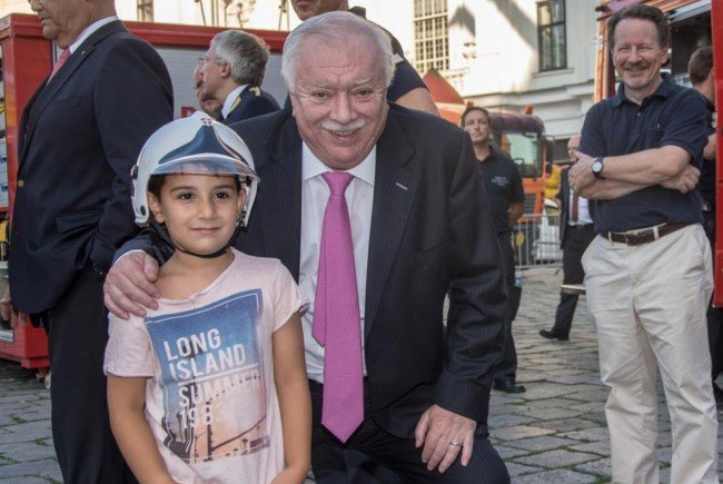 Bürgermeister Michael Häupl eröffnete das Wiener Feuerwehrfest 2016.