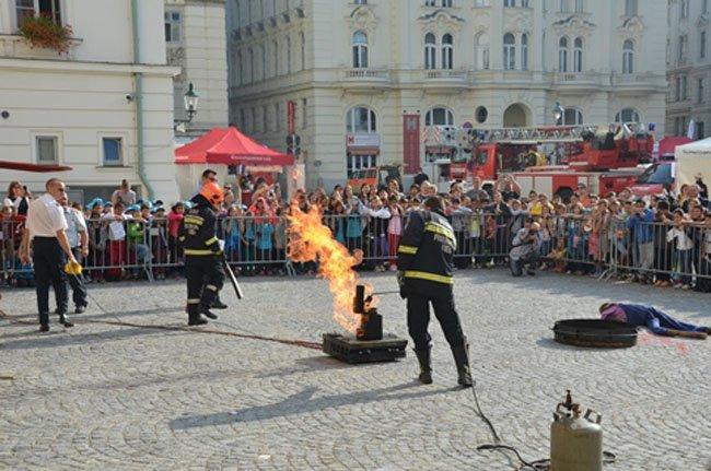 Vom 9. bis 11. September findest das Wiener Feuerwehrfest 2016 statt.