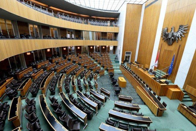Im Nationalrat im Parlament wird am Mittwoch die Wahl-Verschiebung beschlossen