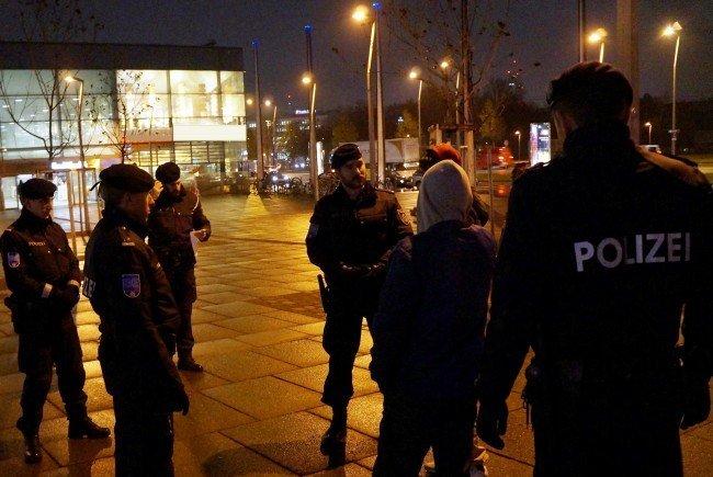 Die Bereitschaftseinheit der Wiener Polizei bei der Arbeit.