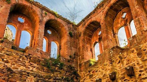 Wiener Touristin bei Udine von einer Ruinenmauer gefallen