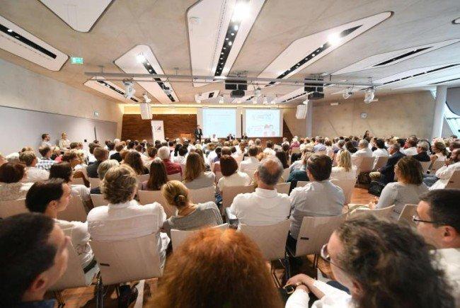 Schulung: Protestversammlung des Wiener Krankenanstaltenverbunds (KAV).