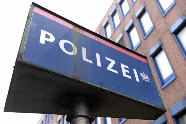 ein mutmaßlicher Mörder stellte sich in einer Wiener Polizeistation