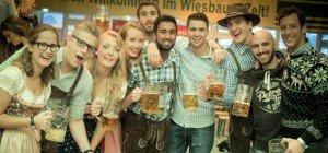 Gaudi pur: Gewinne deinen Tisch bei der Wiener Wiesn-Eröffnung
