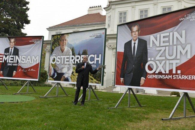 Alexander van der Bellen hat seine Plakatreihe vorgestellt.