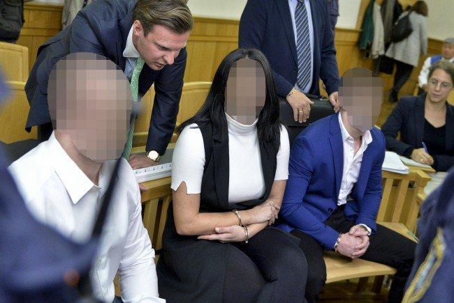 Prozessbeginn gegen eine mutmaßliche Mafia-Bande wegen Schutzgelderpressung im Straflandesgericht Wien