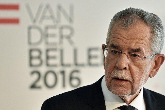 Alexander Van der Bellen kritisiert Hofers Slogan für die Bundespräsidentschaftswahl.
