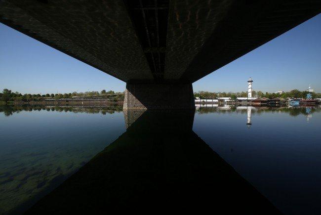 Die Sanierungsmaßnahmen an der Wiener Reichsbrücke starten im Oktober 2016.