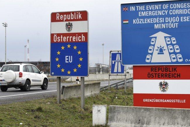 Unklarheit herrscht in der Koalition über die Anzahl an in Österreich aufhältigen Asylwerbern mit negativem Bescheid.