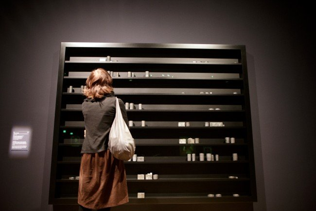 "Von der Angst: Edmund de Waal zeigt ""During the Night"""