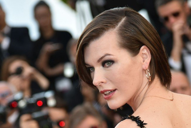 "Milla Jovovich schlüpft erneut in die Rolle ""Alice"" für Resident Evil - The Final Chapter""."